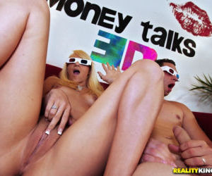 Naughty teen Teagan Summers gets paid for fucking in 3D..