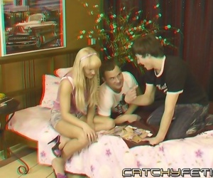 Cock loving blonde sucking and fucking two guys in wild 3d..