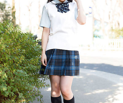 Delicious Asian schoolgirl gets..