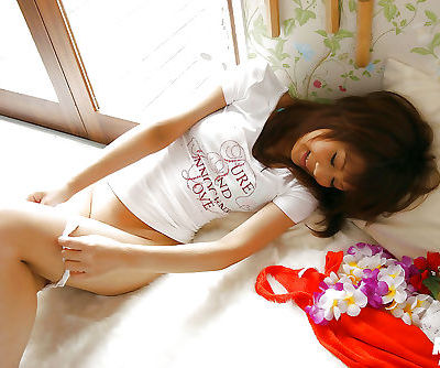 Ravishing asian teen babe with..
