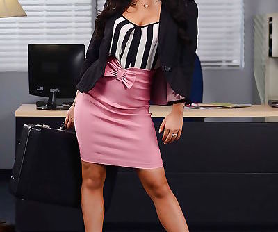 Stunning office lady Asa Akira..