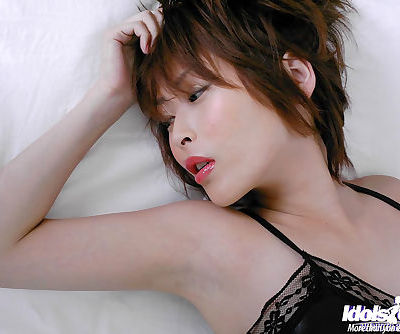 Seductive asian babe Nana Natsume..