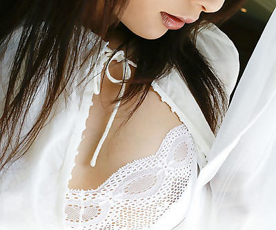 Adorable asian babe with nice..