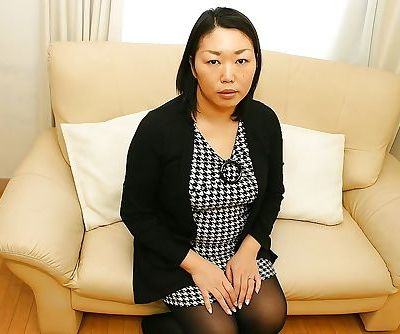 Japanese milf Tamaki Shimai..