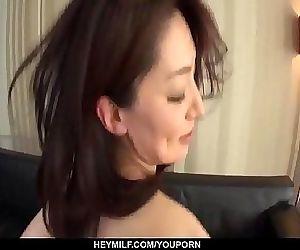 Busty Marina Matsumoto loves the..