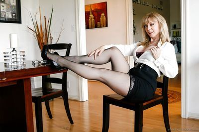 Busty mature mom Nina Hartley in in high heels on knees fucking doggystyle