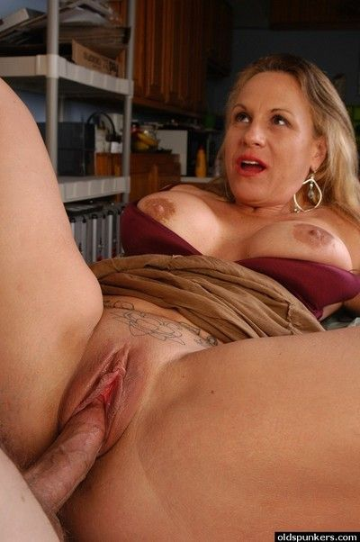 Older blonde secretary Summers sporting creampie after office sex