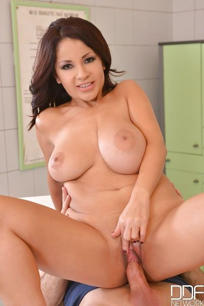 Latina milf Susana Alcalue is giving titjob for her new patient - part 2