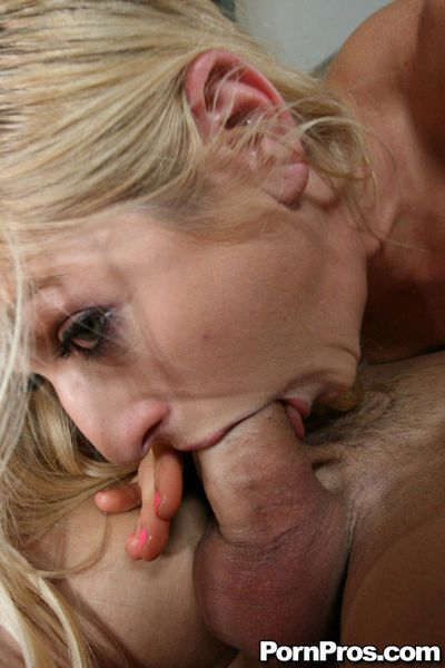 Insatiable MILF Paris Gables cannot stop to deepthroat this enormous dick