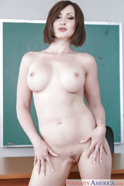 Older schoolteacher Yasmin Scott stripping for nude modeling gig in classroom
