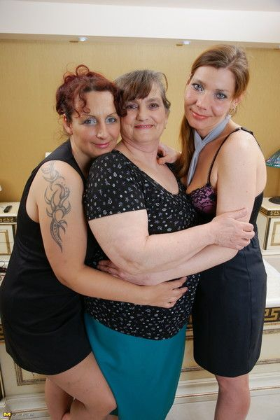 Three lesbian housewives go all the way