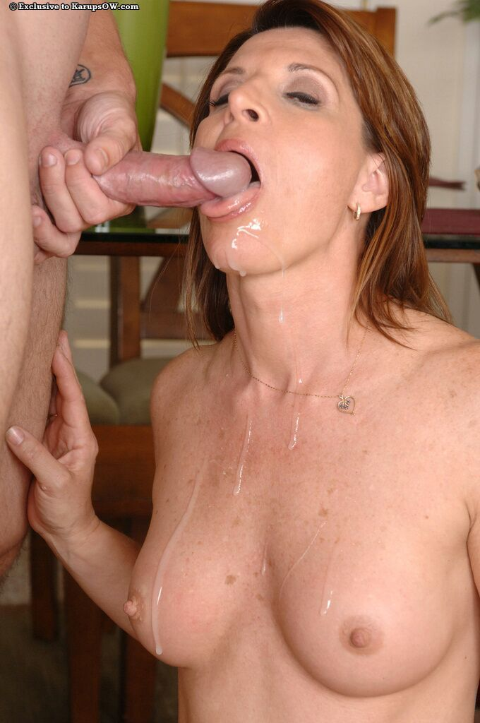 Happy mature with tiny tits Linda Roberts gets mouthful of cum