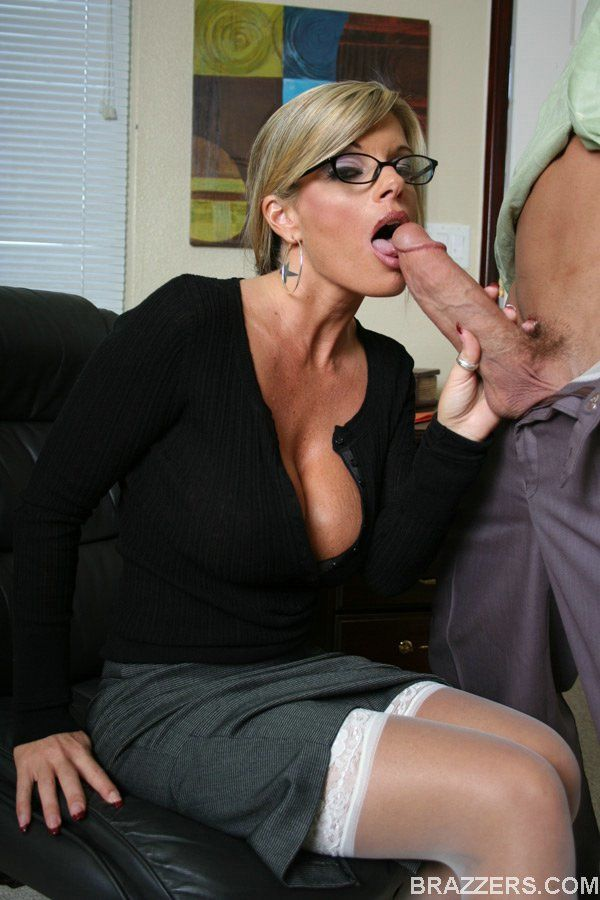 Dazzling office babe Kristal Summers sucks a cock and takes it inside