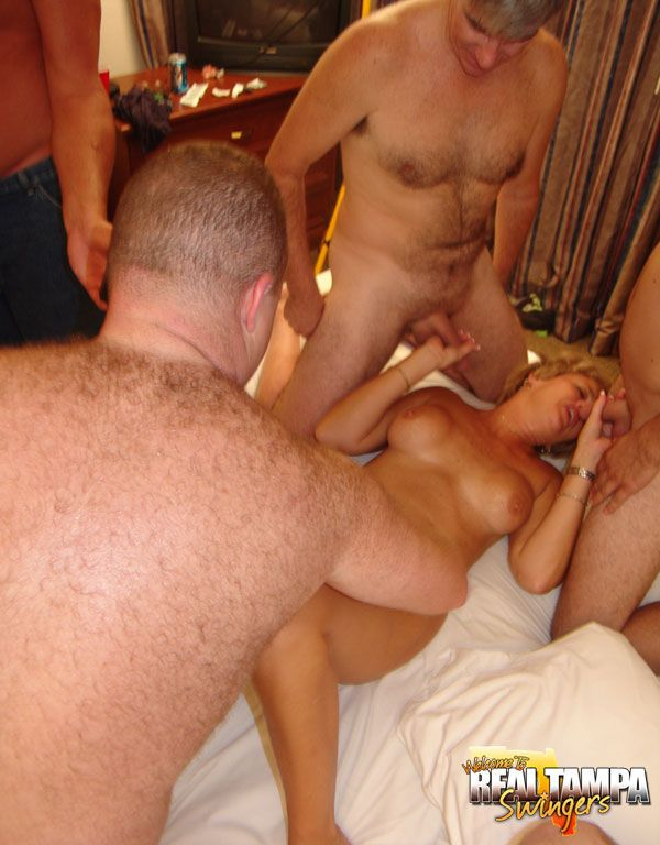USA swinger Tracy Lick and her gf arrange an evening of drink and sex