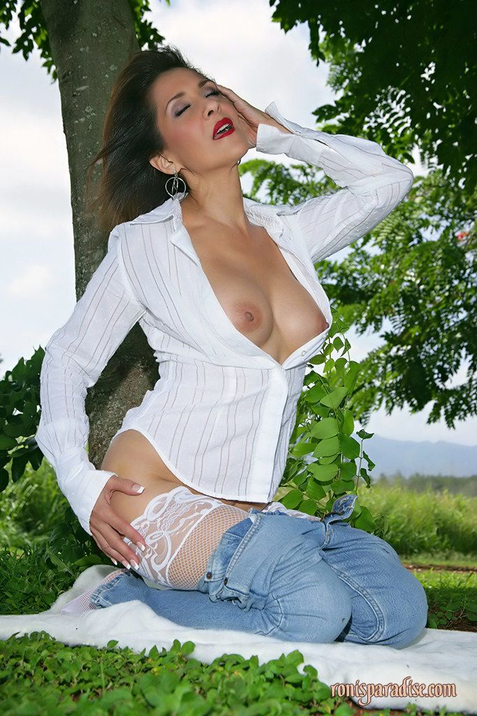Beautiful mom Roni flashing her delicious tits and ass in the park