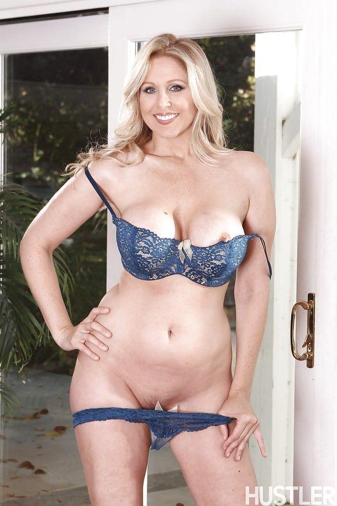 Big boobed blonde pornstar Julia Ann exposing large knockers