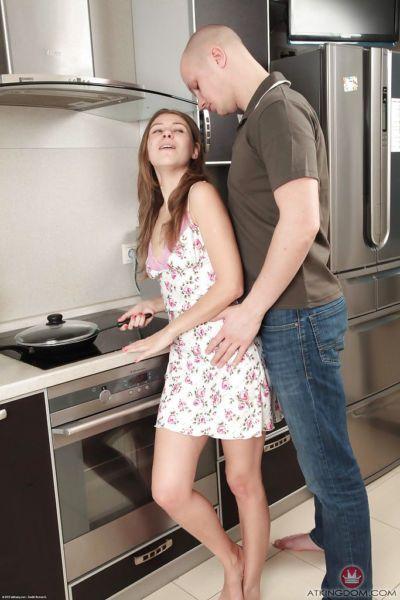 Petite amateur Loredana giving boyfriend a blowjob for breakfast