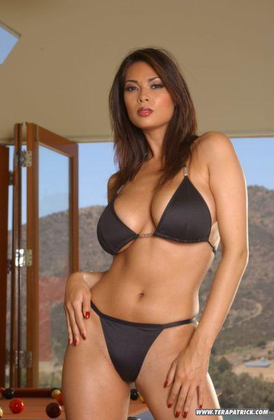berühmt Asiatische Pornostar Tera Patrick Modellierung Nicht Nackt in Bikini