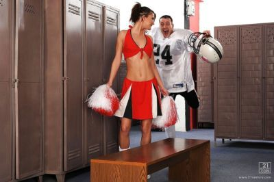 Sexy cheerleader Kim Kay turned into a cocksucker in the locker room