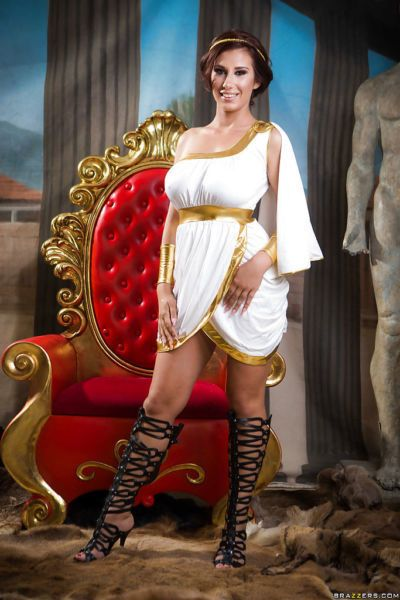 Coed Ayda Swinger releasing nice melons from Egyptian themed cosplay outfit