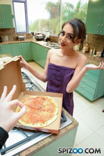 Skinny coed Janice Griffith downs a slice of pizza before gobbling a big dick