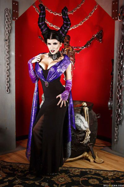 Sexy babe Romi Rain is all about doing cosplay in hot dress
