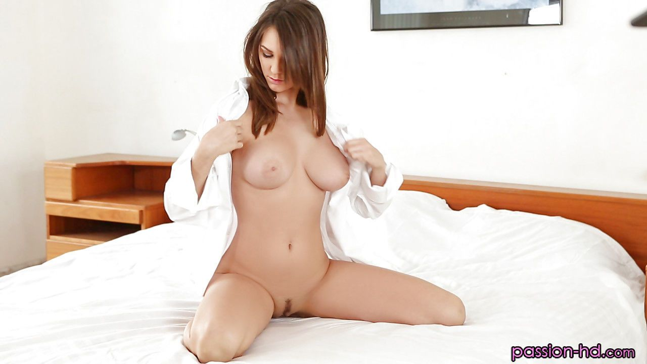 Busty beauty Holly Michaels giving BJ and handjob for mouthful of sperm