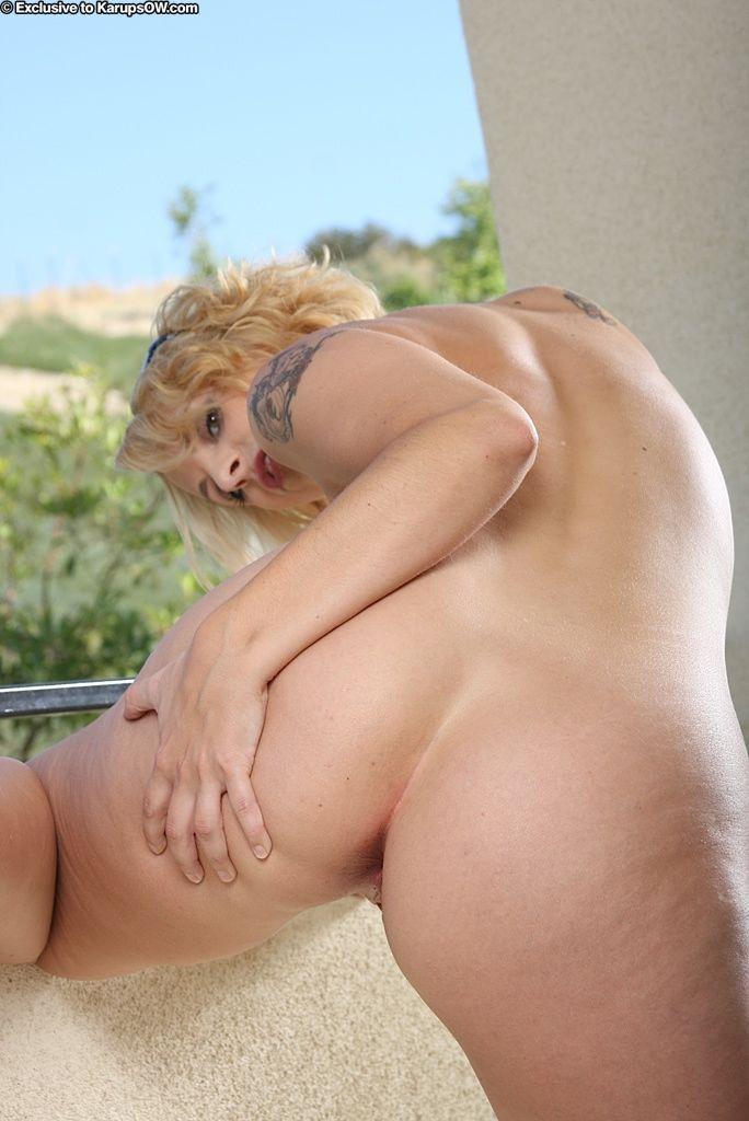 Busty blonde in bikini amazing scenes of nude solo masturbation in outdoor