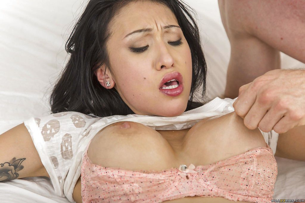Asian bombshell Jayden Lee is riding on this horny venous rod