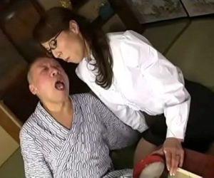 禁断介護 色狂義父の虜になった異常性欲嫁 -..