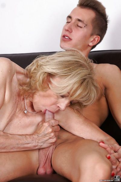 Old blonde with saggy tits Szuzanne sucks young dick and gets cumshot on face - part 2