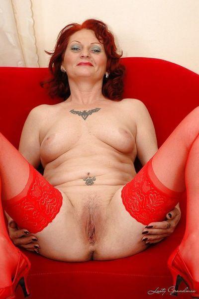 sikilesi kızıl saçlı nine içinde çorap sıyırma kapalı onu Kırmızı iç çamaşırı - PART 2