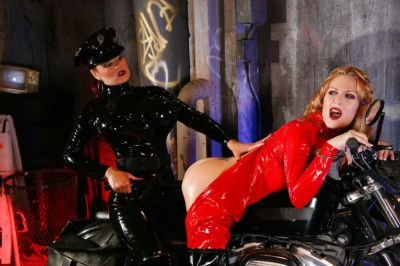 Hot lesbians in latex Aradia & Charlotte E make some fetish action - part 2