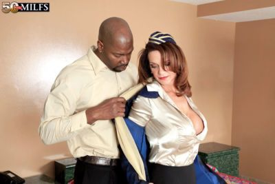 Deauxma worjs black inches of dick in her mature pussy and ass