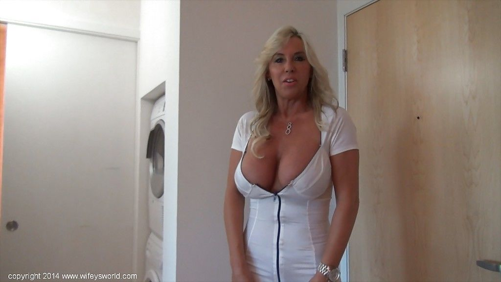 Big tits housewife Sandra Otterson reveals her mature big tits