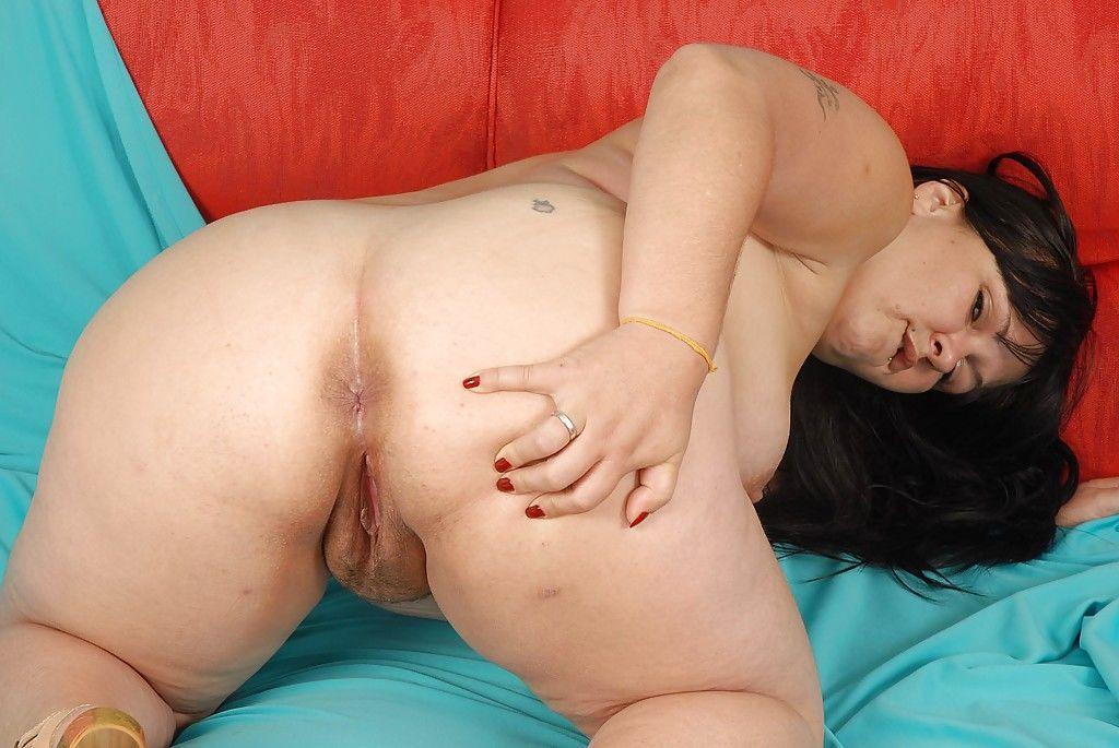 Salacious brunette plumper undressing and exposing her twat