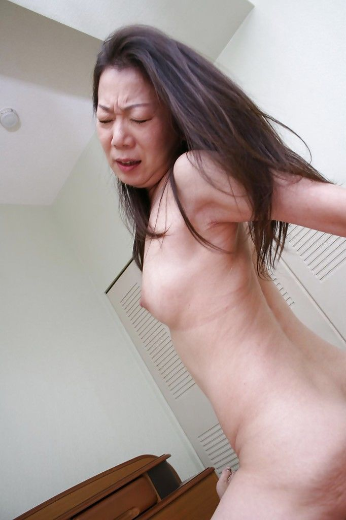 Gorgeous mature Yoshiko Makihara is fucked hardcore in her tight ass - part 2
