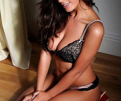 Luscious model Lindsey Strutt..