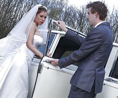 Juggy bride gives head and gets..