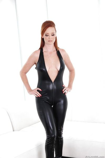 Big ass reedhead latex loving babe Audrey showing her big titties