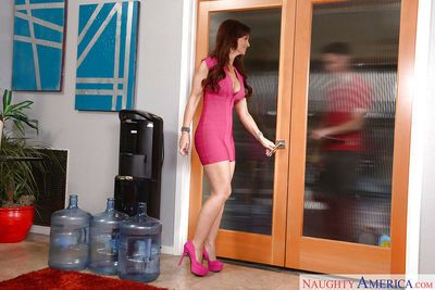 Naughty cougar Syren De Mer giving younger man\\\