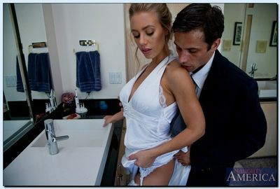 Promiscuous bride Nicole Aniston gets fucked and facialized in the bathroom