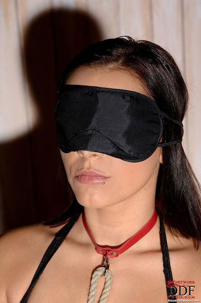 Busty and blindfolded fetish model Liza del Sierra taking cumshot after bj
