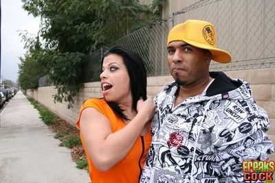 Latina MILF babe Alexandra Sinns gets banged with bukkake