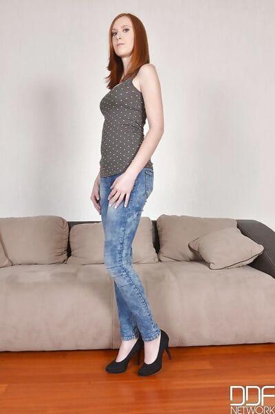 Babe Linda Sweet demonstrates her sweet long legs in close-up