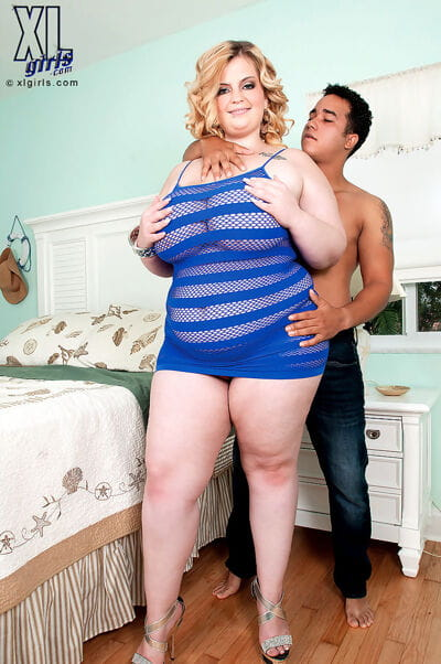 Large BBW Sashaa Juggs gets her massive tits sucked and bends to show huge ass