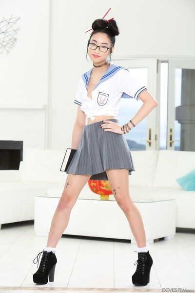 Châu á Trường :cô gái: Eva Yi tư thế Khỏa thân với một fan trước đưa một khó lớn dick