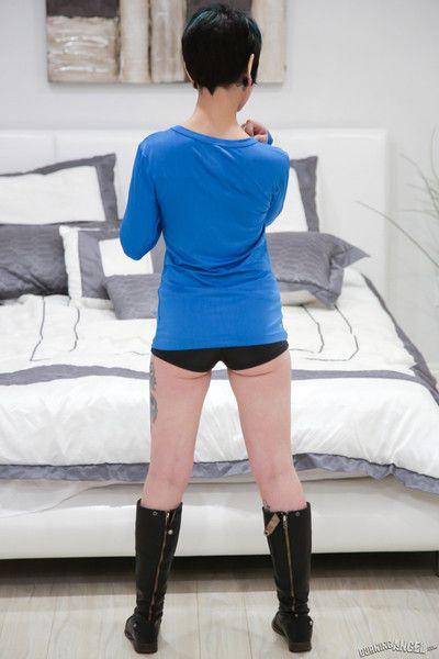Rachel ravaged seduces her boyfriend in a trekkie outfit