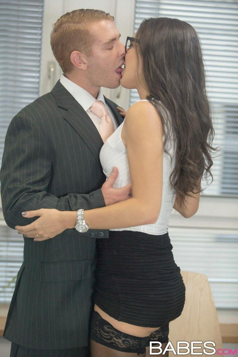 Office babe fucked in stockings