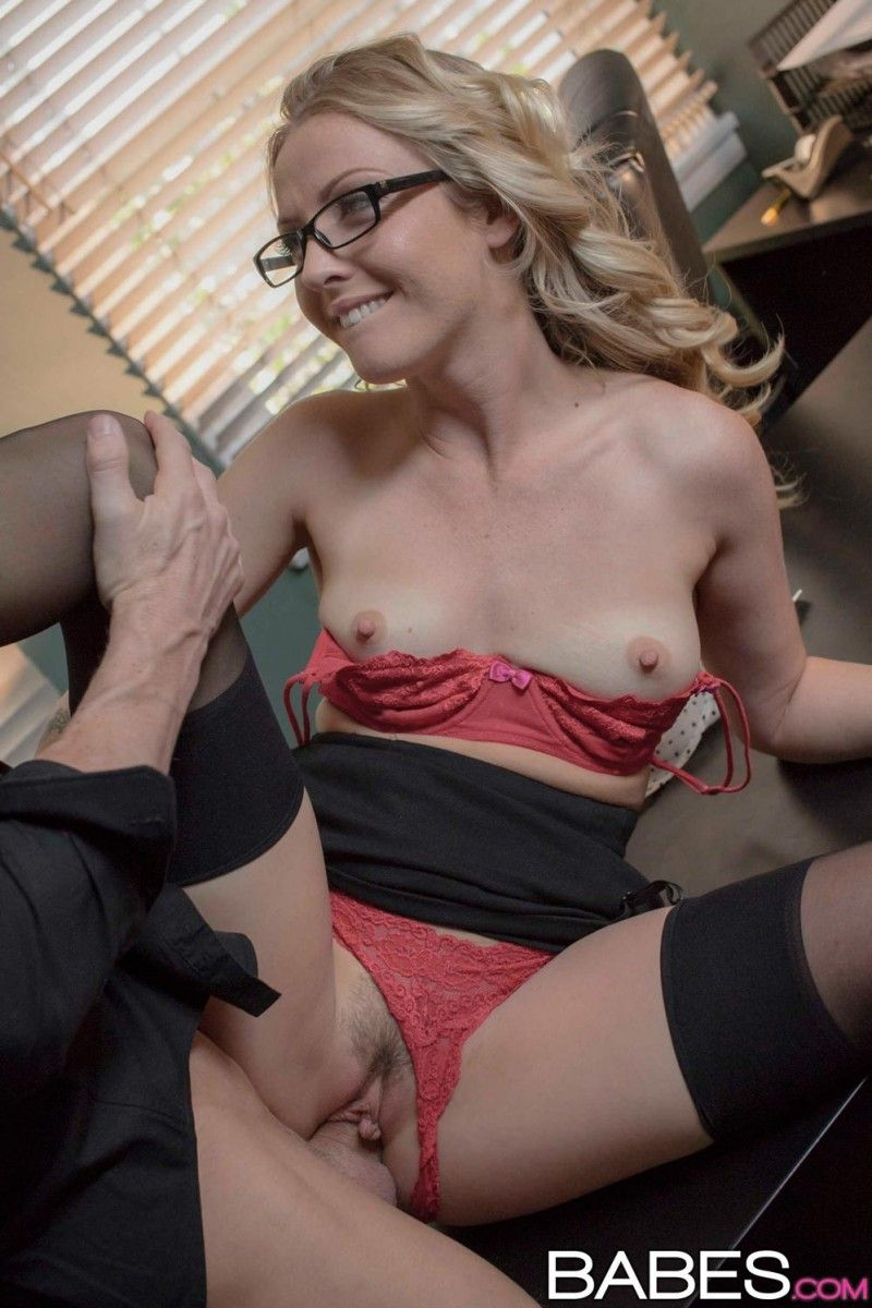 Office blonde gets dicked in stockings